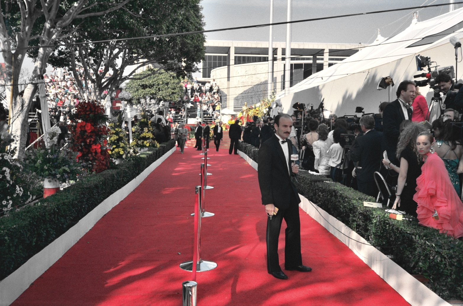 Arriving_at_the_Oscars
