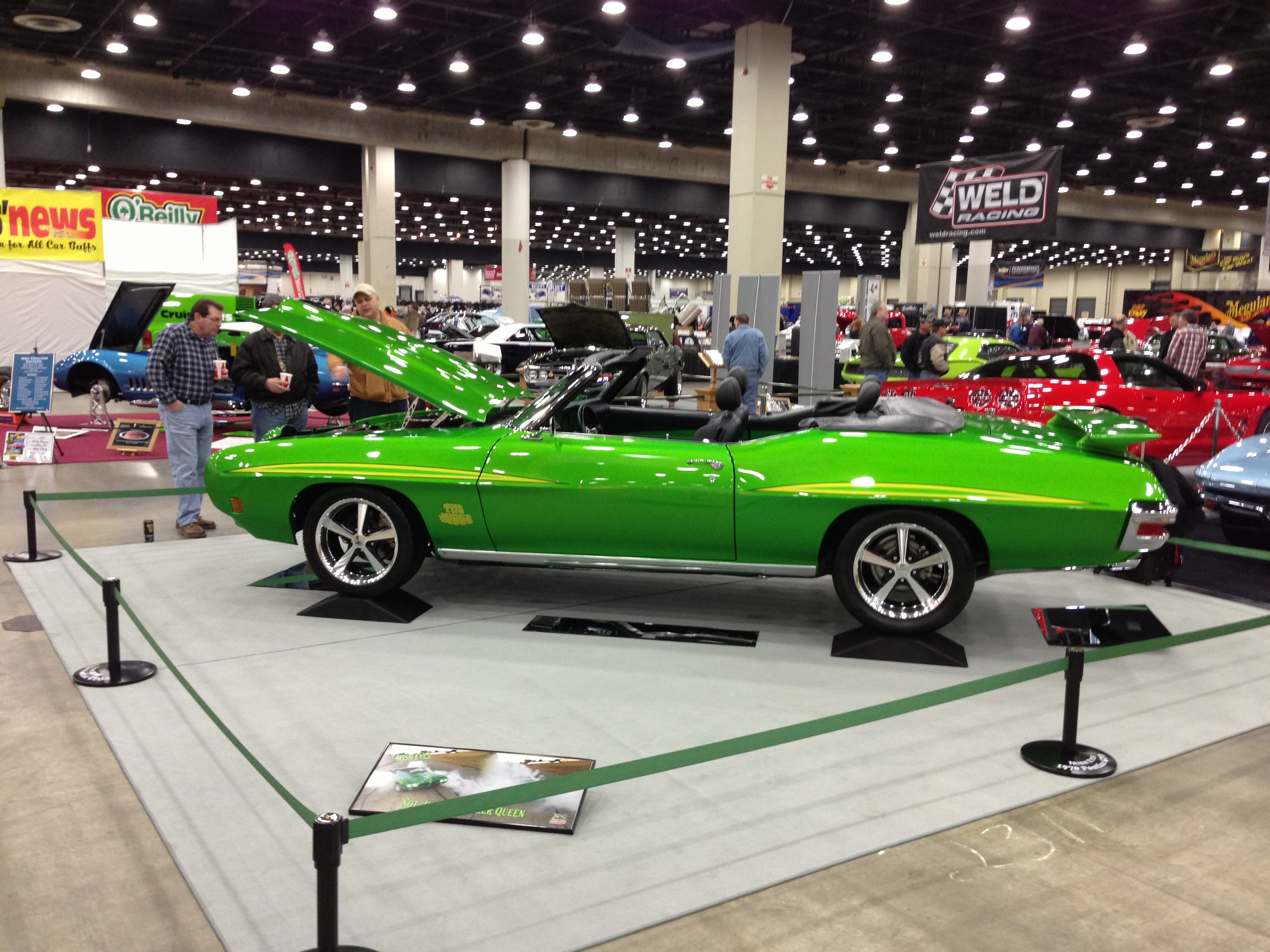 Gallery Crowd Control Posts Protect Pontiac GTO At Car Shows - Car show barriers