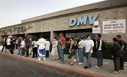 dmv-waiting-line-outside