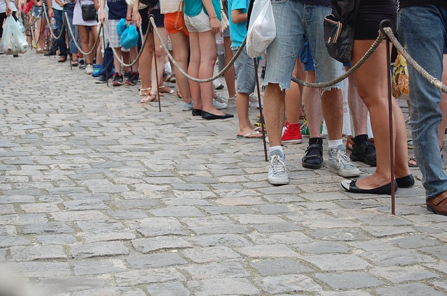 feet-waiting-in-line